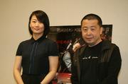 「罪の手ざわり」ジャ・ジャンクー監督(右)とチャオ・タオ.jpg