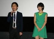 「風切羽 かざきりば」小澤雅人監督(左)と秋月三佳.jpg