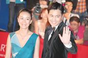 河瀬直美監督(左)とチョン・ウソン.jpg